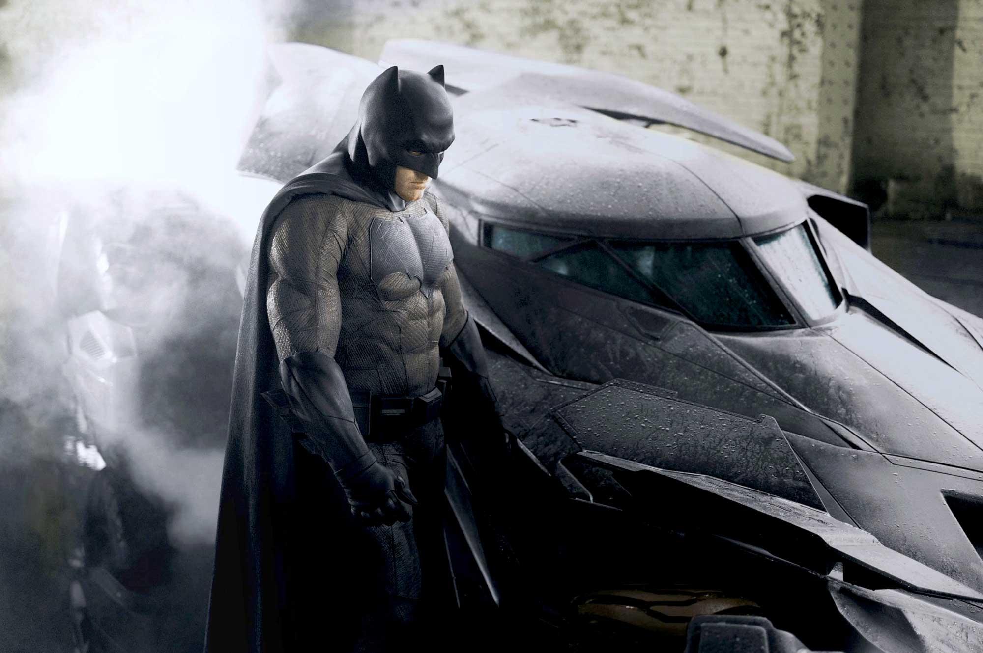 бэтмен и бэтмобиль бэтмен против супермена