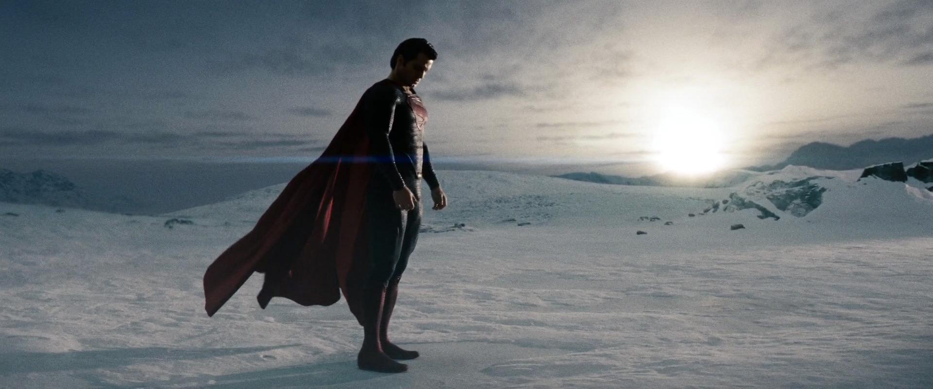 человек из стали супермен в новом костюме