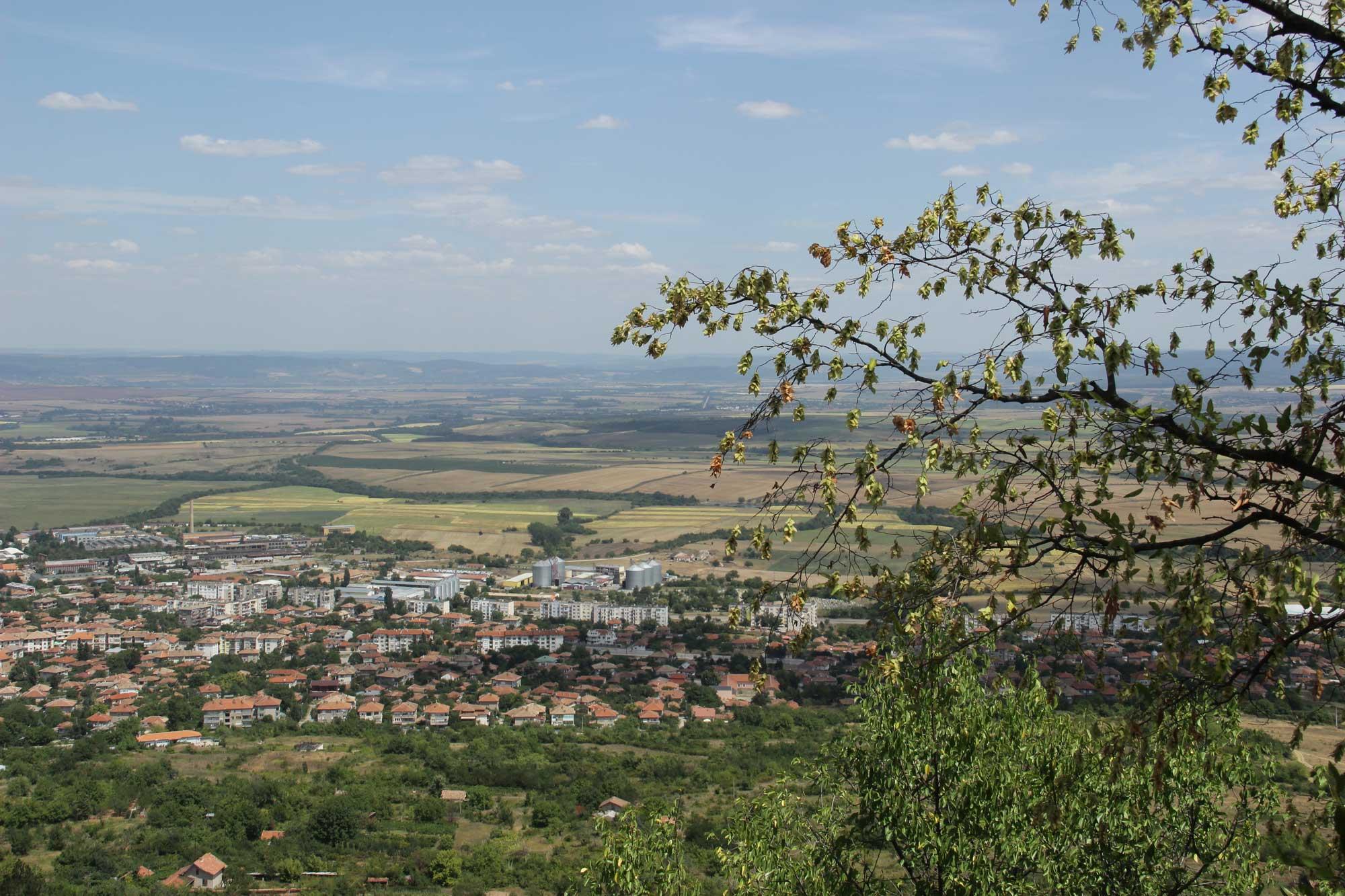 большая высота и вид на болгарские равнины и города