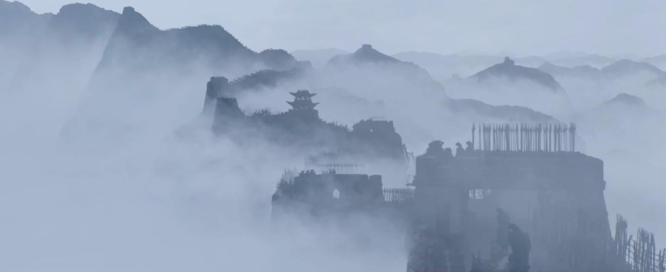 великая стена окутанная туманом
